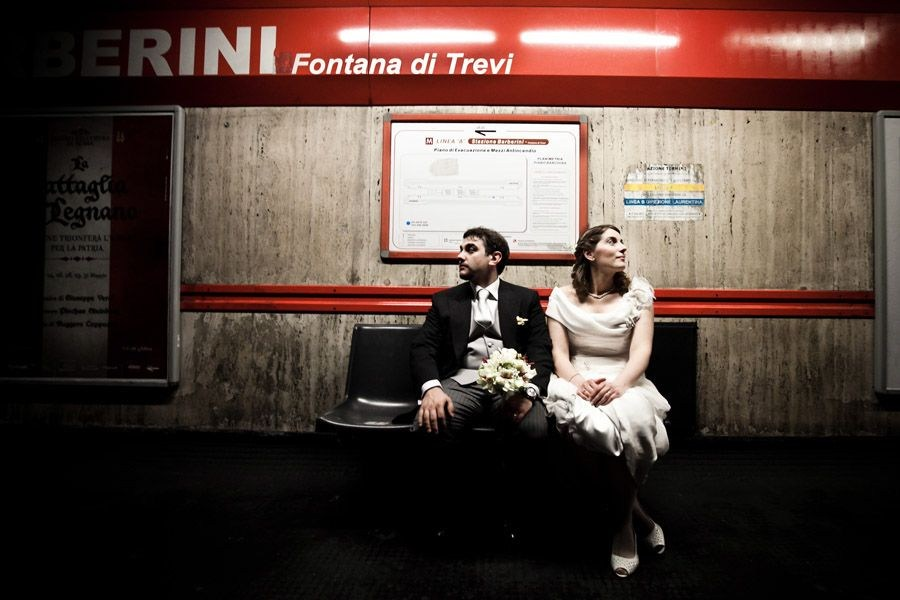 wedding in rome, fontana di trevi, colosseo, metro