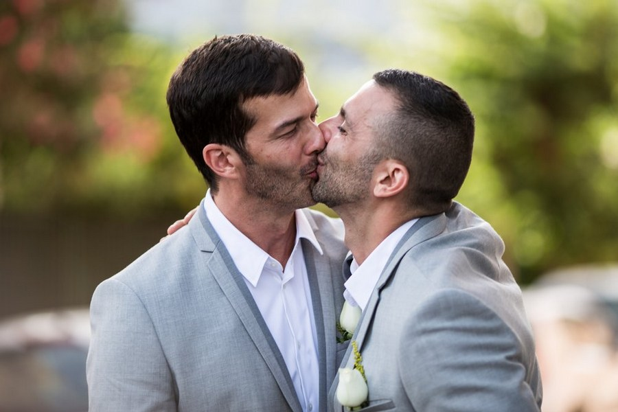 wedding kiss gay