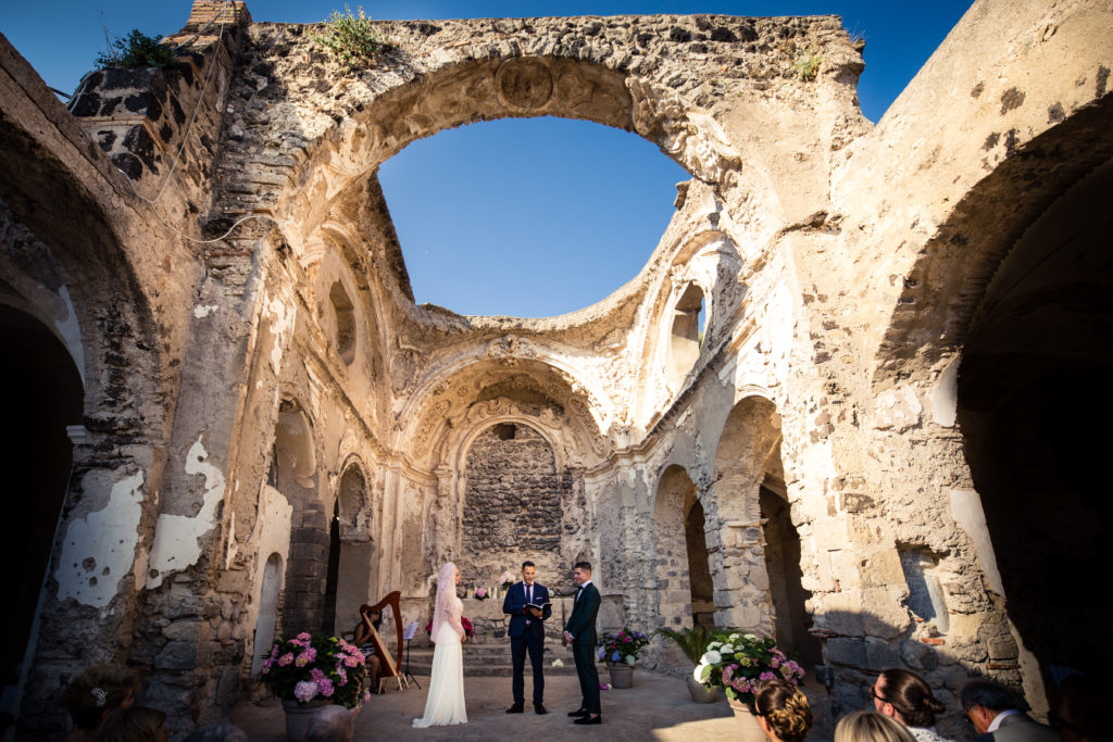 wedding in aragonese castle